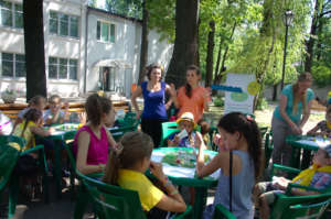 Art-therapy for refugee children in summer camp
