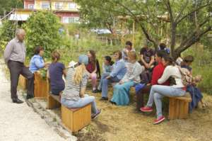 Organic gardening - a sustainable social business
