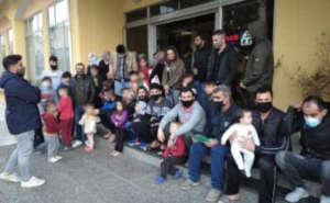 HUGE FEAR as many refugee DO NOT RESPECT DISTANCES