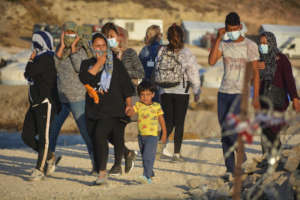 REFUGEES FAMILIES STILL ACHIEVE TO ENTER GREECE