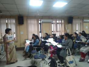 Dr.Sangeeta Rani taking the session