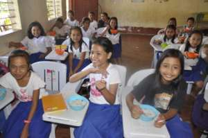 Happy Kasambuhan students: lunch and clean water