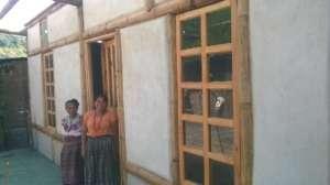 A complete Bajareque home