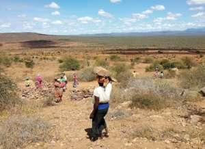 Mkamenyi parents collecting materials