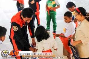 Fire fighters train mini-nurses