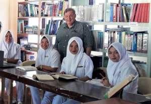 Director Santoli visits Nursing Students at MSU