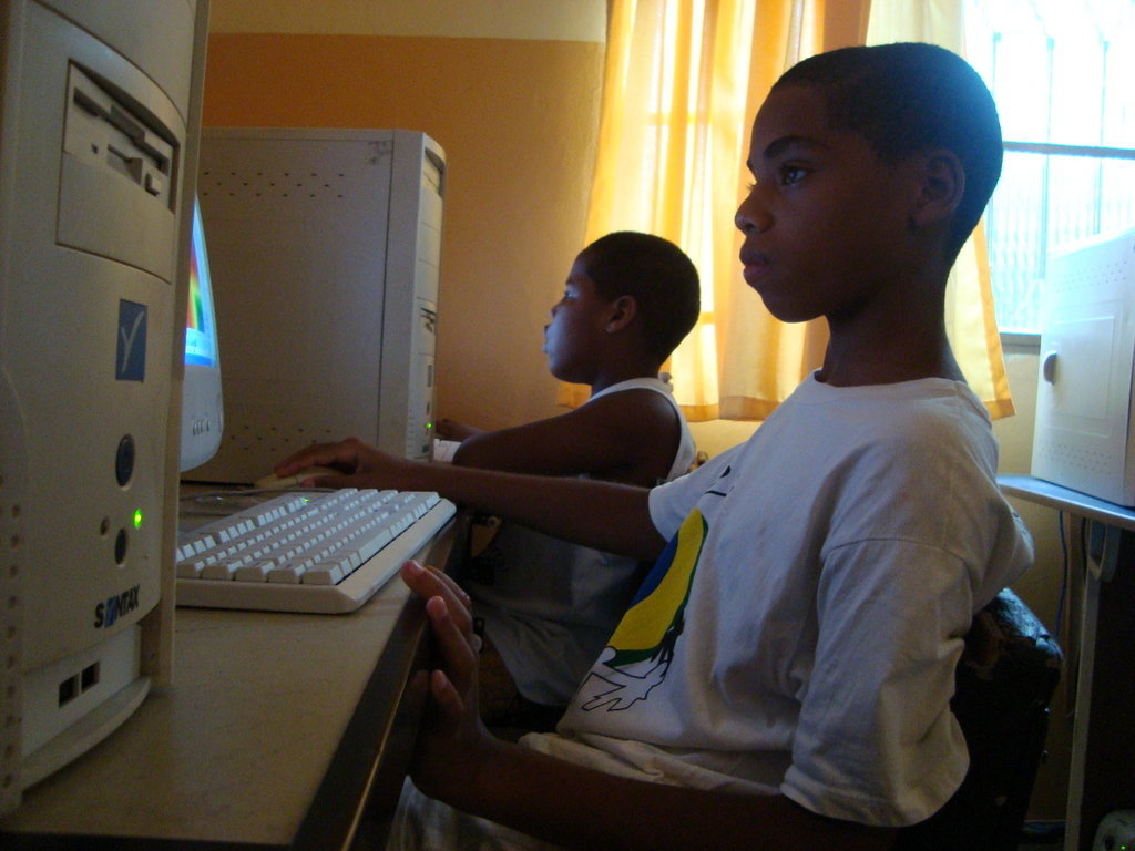 Community Development Through IT Training In Rio