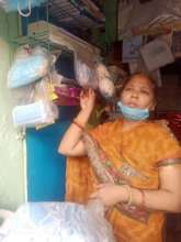 Gayatri selling masks to support her 4 daughters