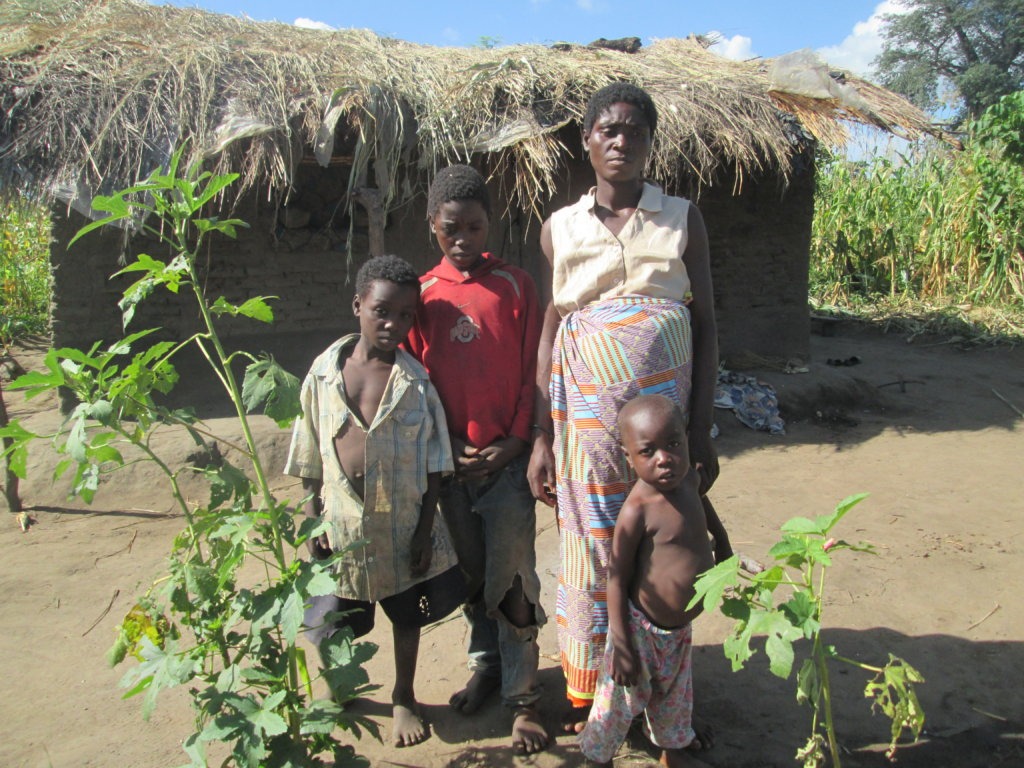 Feed 500 orphan-keeping families in Malawi