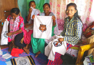 AP student volunteers support Tiger bags in Nepal
