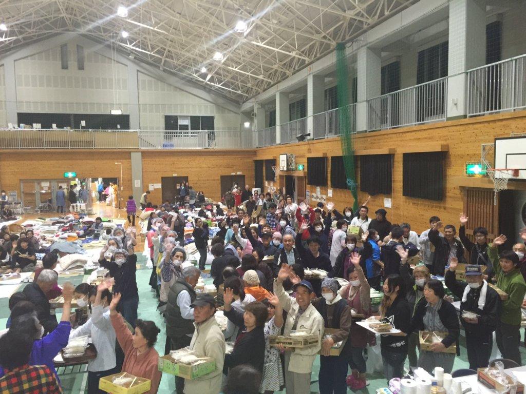 Helping Disaster-stricken Kumamoto by Kitchen Cars