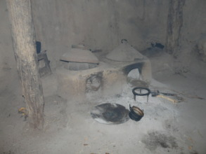 A kitchen with traditional Mogogo