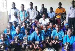 Onkolde Primary Students with their solar lanterns