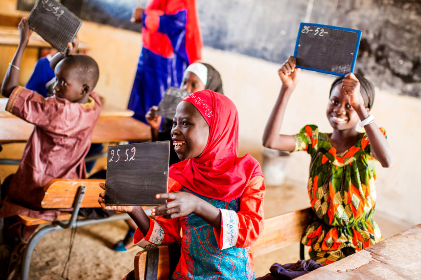 Educate girls and fight poverty in Senegal