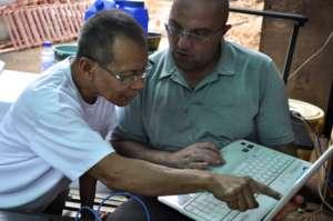 Andy & Ka Noli during an IT training in Banaba