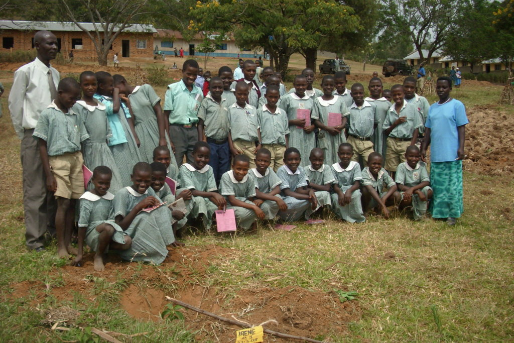 build-watertanks-for-10-ugandan-rural-schools