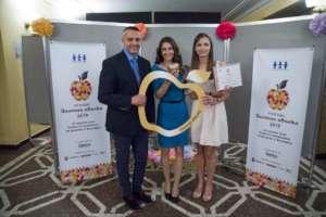 The winners Dr. Tanja Andreeva and Daria Mukova