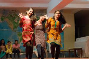 12th grade girls dancing