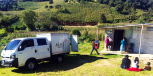 Nurses set up mobile clinic in Tecpan