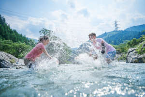 "River play - ""Splash Me"" challenge"