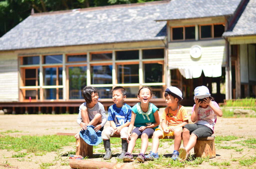 Provide education tour for children in Kumamoto