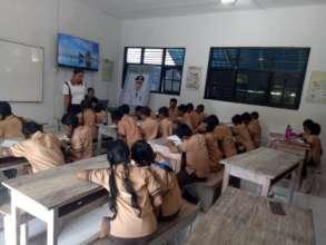 1st Lesson SDN 2 Lembongan