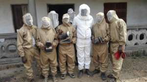 Complet bee suits donoted to youths