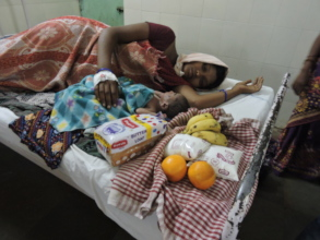 Poor patients getting nutrition donation in india