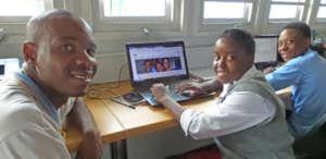 Net Fundi Alfred Teaching New Net Buddies