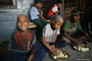 Children eating in the drop in centre