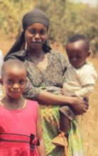 One of the MindLeaps' families receiving meals