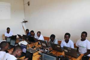 Girls in IT Training at MindLeaps