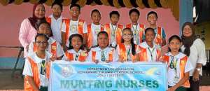 Munting Nurse Esprit de Corps