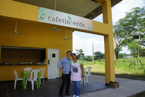 Cony Acevedo and Kelli Stam at Cafetin Verde