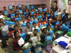 TBAs receiving UNFPA dignity kits