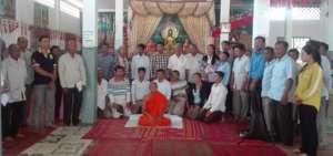 Community Meeting in Kampong Khleang