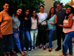 Una Chanza Cast & Crew