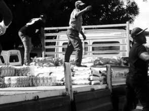 Loading the food to transport to Chintsa.