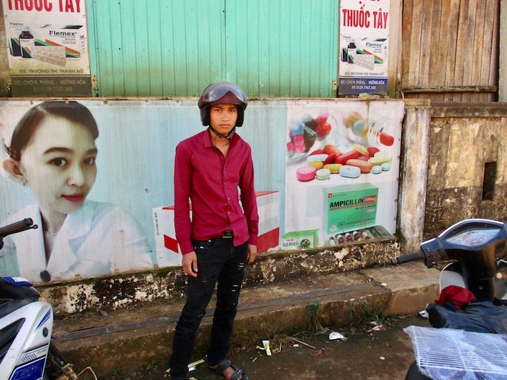 Photo Workshop for Deaf Students in Vietnam