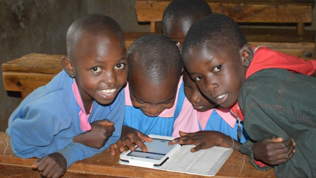 Use tablets to support communities in rural Kenya
