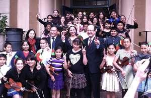 ETM-LA School Greets the President of USC