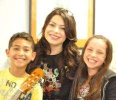 Students with Miranda Cosgrove