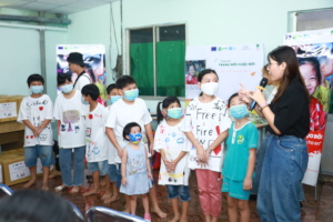 Children at Ceporer Hocmon enjoy minigame at even