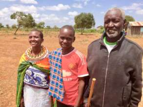 Our beneficiary Tanapa with his parents