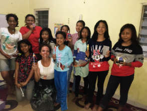 Valerie leading a SHINE session in East Java