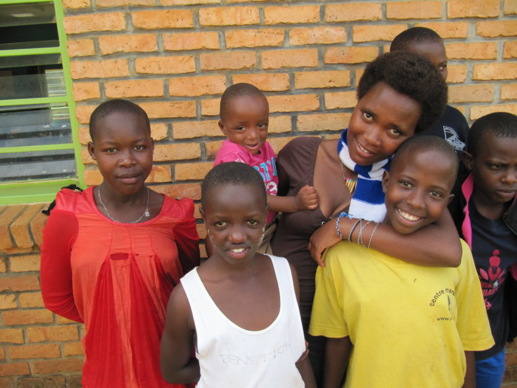 Support 70 street girls and teen/pre-teen mothers.