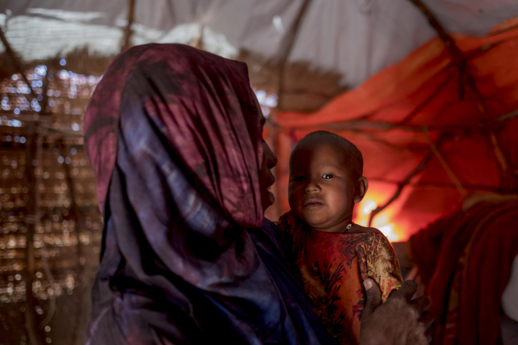Nutrition Packets for Starving Kids in Somalia