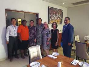Sue Huntley meets with the First Lady of PNG