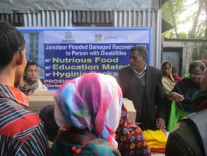 Proships EC chairman distribute  materials