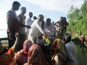 Proships EC chairman distribute relief materials
